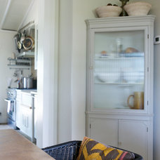 farmhouse  by Rebekah Zaveloff | KitchenLab