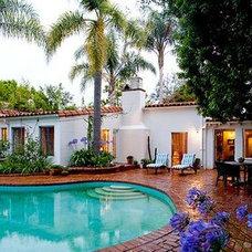 Mediterranean  Marilyn Monroe's Fabolous back yard