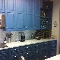 Beach Style Kitchen by Frazer Construction Co