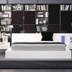 Bestsellers - Alaska Modern White Lacquer Bed by VIG Furniture