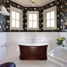 black_white_bath.jpg