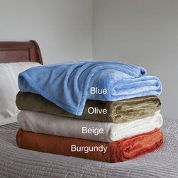 Windsor - Windsor Home Super Soft and Fuzzy Blanket - The lightweight and soft Windsor Home blanket will work nicely on a bed or couch to keep you warm. Available in an olive, blue, beige, or rusty burgundy finish, this contemporary blanket is machine washable for easy care and repeated use.