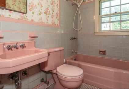 Living with vintage bathroom tile Small bathroom remodel for elderly