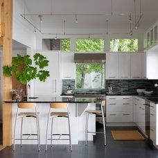 Contemporary Kitchen Bowman/Jill Brecheisen/Kitchens By Design