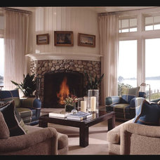 Traditional Living Room by Duo Dickinson, architect
