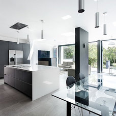 Modern grey-and-white kitchen | housetohome.co.uk