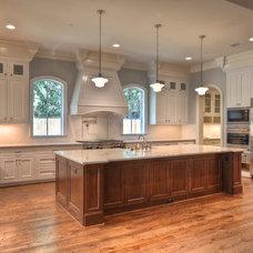 Traditional Kitchen by Metropolitan Custom Homes