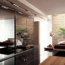 Bedroom by DAYORIS DOORS / PANELS