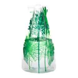 Modgy - Myvaz Expandable Flower Vase Boom Bloom Green - Myvaz expandable flower vases do everything a glass vase does except collect dust, chip or break. Available in a variety of designs, myvaz expandable vases are durable and stable enough to hold a flower bouquet. These decorative vases expand with water and are ideal for events, weddings, and any table top. myvaz plastic vases are collapsible and economical, making it easy to keep a variety of colors and patterns tucked away for any occasion.