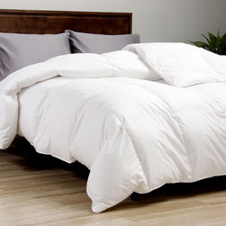 European Legacy - European Legacy 370 Thread Count Baffle Box White Down Comforter - This 550 fill power white down comforter features a 0.75-inch gusset and a baffle box construction that allow for more loft to the down. The oversized dimensions provide full draping of the bed as well as additional comfort.