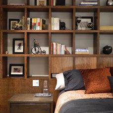 Contemporary Bedroom by Carlos Chiver