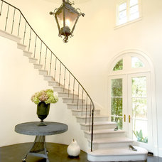 Traditional Staircase by McCann Associates Inc.