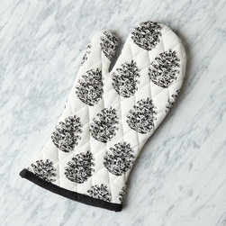 Pinecone Oven Mitt - Winter is the best time of year for baking, and these mitts make the entire experience a little more festive.