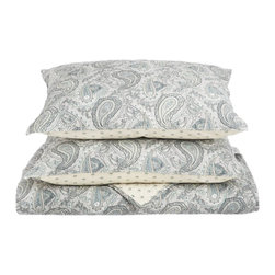 100% Cotton Moroccan Paisley 2-Piece Twin Quilt Set - Grey - Made from 100% cotton Moroccan Paisley Quilt Set features a classic paisley design originating from ancient India. This piece of history, while being visually attractive, also provides amazing comfort and aids in achieving a satisfying sleep.