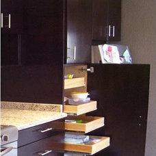 Modern Kitchen by Angel Cosio