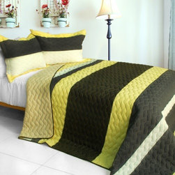 Blancho Bedding - [Bathe in Sunshine] 3PC Patchwork Quilt Set (Full/Queen Size) - Features intricate hand-stitching patterns with timeless appeal. Creates a cozy and inviting atmosphere and is sure to transform the look of your bedroom. Gives the finishing touch to your room decor; Enjoy a good night's sleep in a luxurious quilt set. Pre-washed, pre-shrunk, reversible and vermicelli-quilted for elegance and durability. Soft materials and high tenacity; Concentrated stitches; Machine washable and dryable.