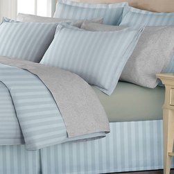 Hotel Grand - Hotel Grand Oversized 500 Thread Count 4-piece Duvet Set with Bedskirt - Update the bedroom with this luxurious 500 thread count Hotel Grand Egyptian cotton duvet cover set with matching bedskirt. A set of matching Euro shams is available to purchase individually.