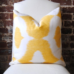 Decorator Fabric Ikat Print In Yellow Dalesford By Duralee By Martha & Ash - You can't go wrong with an ikat print. This lovely yellow would be perfect for spring!