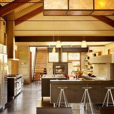 Modern Kitchen by On Site Management, Inc.