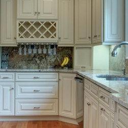 Creme Maple Glaze kitchen -
