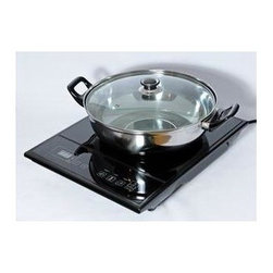 Koolatron - Total Chef Single Induction Cook Top - Includes stainless steel work with clear lid. Uses 60% percent less energy than a conventional oven . Heats to 150-450°F in just minutes. Safe and easy-to-use. Transfers direct heat to cookware for optimal cooking. Perfect for apartments and dorm rooms . Make tasty soup, sauces, or entire meals . 90-Day Manufacturer's Warranty and 30-Day Money Back Guarantee. 11.80 in. L x 15 in. W x 2.50 in. H (7.70lbs.)The Total Chef Induction Cook top contains a smooth heat-resistant glass surface. With an induction cook top, the heating element only heats up when a pan is placed on it. Heat is directly transferred to the cookware, and if the cookware is not on the surface, the heating zone will not heat up. The Total Chef Induction Cook top can heat up to 150-450°F, so it is perfect for simmering soups and sauces, or broiling veggies or meats. This powerful product uses just 1600 watts of power, and it reduces your cooking time because heat is never wasted. The Total Chef Induction Cook top will also help you save money, since it is 60% more efficient than a standard cook top.