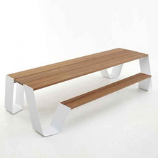 Modern Outdoor Dining Tables by Stephmodo