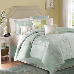 Madison Park - Madison Park Athena 7-piece Comforter Set - Everything that you need to create a stylish new look in the bedroom is included in this Madison park floral comforter set. This seven-piece comforter set is crafted from 100 percent polyester for easy care and long-lasting good looks.