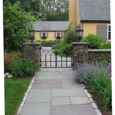 Rustic Landscape by Woodburn & Company Landscape Architecture, LLC