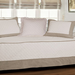 Brentwood Quilted Ivory/Taupe 4-piece Daybed Set -