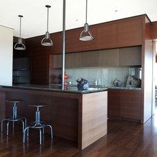 Modern Kitchen by Zack|de Vito Architecture + Construction