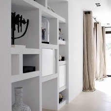 decorista daydreams (white with neturals looks fantastic with pops of...)