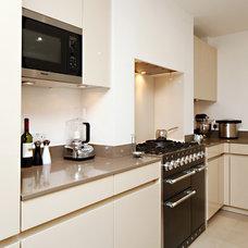 Contemporary Kitchen by Fine House Studio