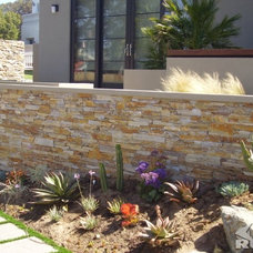 Traditional Retainer Walls by Stone Direct International