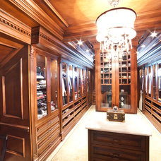 Traditional Closet by WL INTERIORS