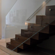 Contemporary Staircase by Joseph Trojanowski Architect PC
