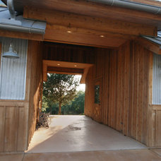 Traditional Garage And Shed Flat Rock Creek Ranch - Detached Barn
