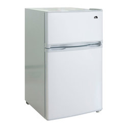 Curtis - Igloo 3.2 Cubic Foot 2-door Fridge - Save space in your fridge with this compact energy efficient 3.2 cubic foot fridge from Igloo. This fridge has an aesthetically pleasing design and has a sleek white finish to match any decor theme.