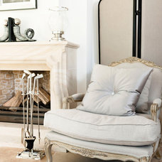 Traditional Armchairs by HUISSTYLING