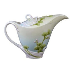US - 7.25 Inch Glazed Blue and White Porcelain Ginkgo Tea Pot - This gorgeous 7.25 inch glazed blue and white porcelain ginkgo tea pot has the finest details and highest quality you will find anywhere! 7.25 inch glazed blue and white porcelain ginkgo tea pot is truly remarkable.
