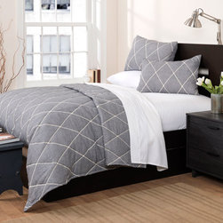 Lush Decor - Lattice Geometric Gray Three-Piece Full and Queen Quilt Set - - Inherently sleek and sophisticated, Lattice geometric three piece quilt set is perfect for any contemporary setting. Intricate embroidery work on soft color surface adds serenity and softens your mood  - Set Includes: 1 Quilt, 2 shams  - Quilt: 92-Inch H x 88-Inch W  - Sham: 20-Inch H x 26-Inch W  - Care Instructions: Machine washable Lush Decor - C21545P14-000