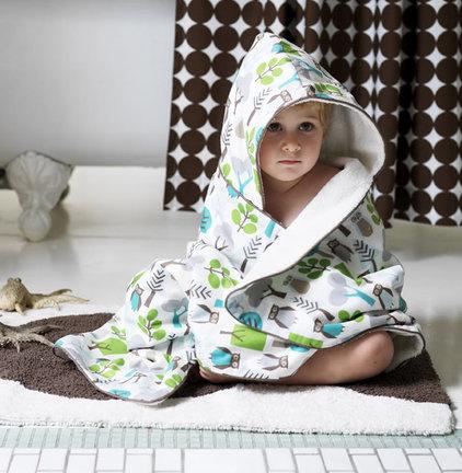 Modern Towels by Design Public