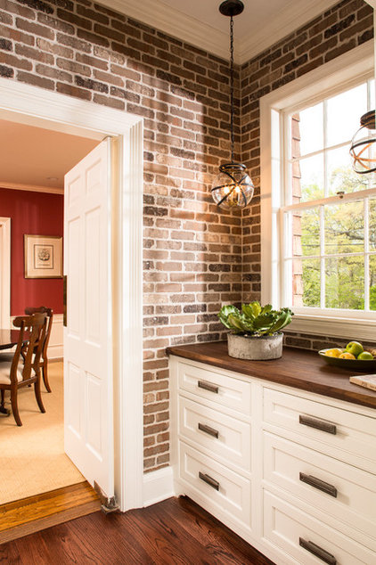 Transitional  by Renewal Design-Build