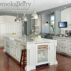 Traditional Kitchen by brooksBerry & Associates, Ltd