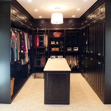 Traditional Closet by Paradise Custom Kitchens, Inc