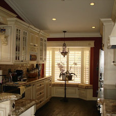 Traditional Kitchen Cabinetry by Belle Choices