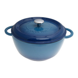 Staub - Fleur by Fontignac Blue 5.25-quart Round Cocotte - Bring delicious,French-inspired cuisine to life with this blue round cocotte with lid from Fleur by Fontignac. This cookware piece offers a durable cast iron construction and a cream enameled,non-reactive surface design that offers easy cleanup.