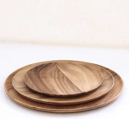 Contemporary Dinner Plates by Brook Farm General Store