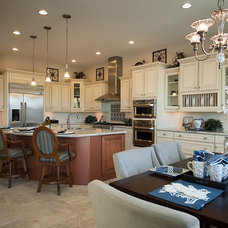 Mediterranean Kitchen by Maracay Homes Design Studio