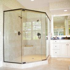 Traditional Bathroom by Logan Homes