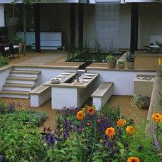 Sunken garden dining area